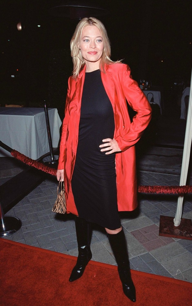 jeri ryan color blocked outfit