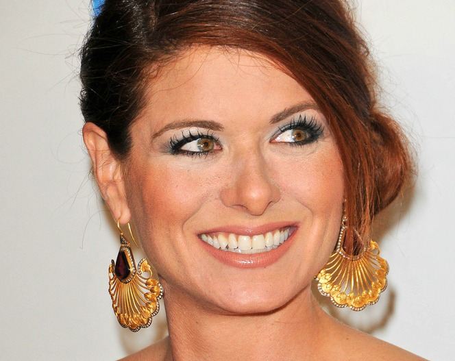 Debra Messing eyelashes