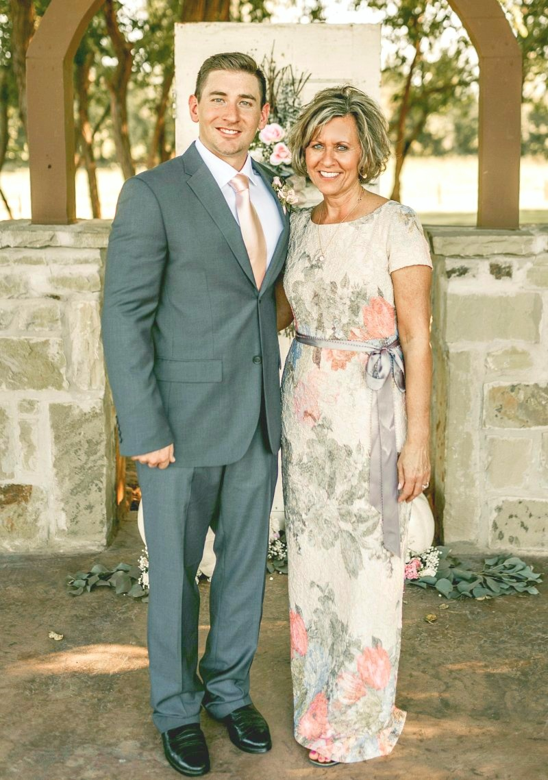 mother-of-the-groom-leanne